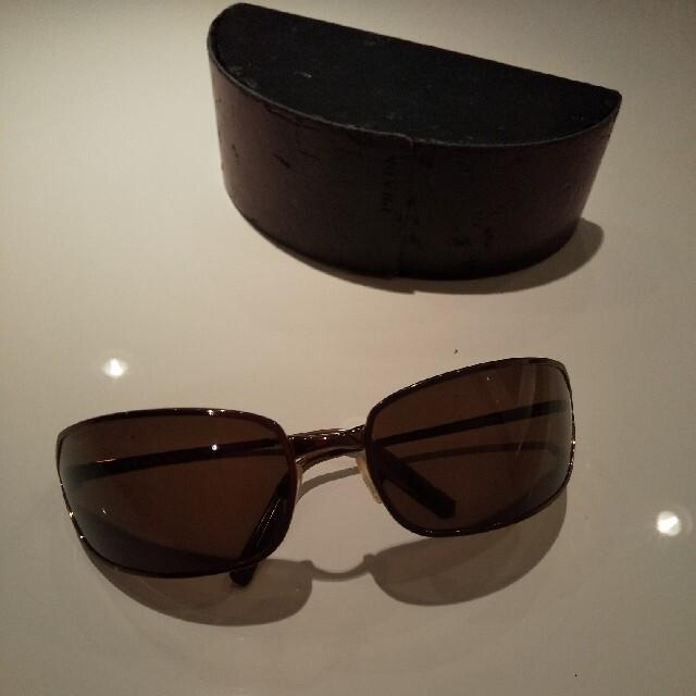 PRADA(プラダ)のプラダPRADA 海外セレブご用達モデルサングラス ケース付 メンズのファッション小物(サングラス/メガネ)の商品写真