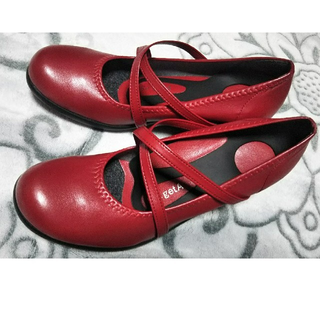 Re:getA(リゲッタ)のリゲッタ ハイウェッジパンプス レッド 赤 新品未使用  レディースの靴/シューズ(ハイヒール/パンプス)の商品写真