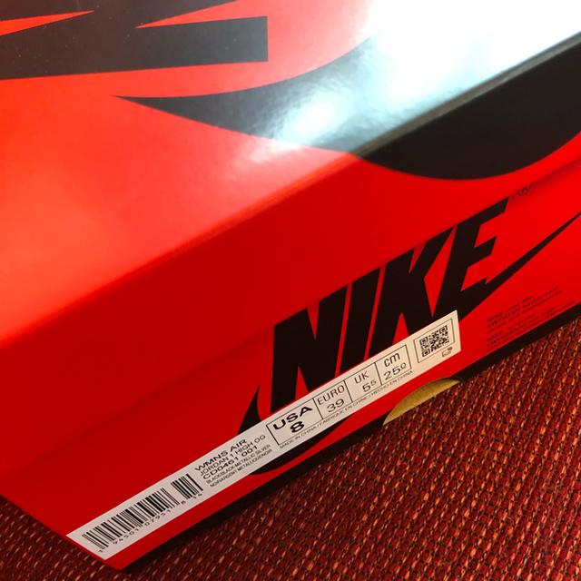 NIKE(ナイキ)のNIKE WMNS AIR JORDAN 1 HIGH OG  SILVER  レディースの靴/シューズ(スニーカー)の商品写真