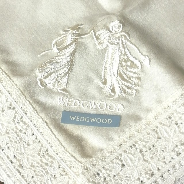 WEDGWOOD(ウェッジウッド)のウェッジウッド 刺繍入レースハンカチ レディースのファッション小物(ハンカチ)の商品写真