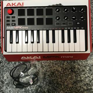 コルグ(KORG)のAKAI MPK mini(MIDIコントローラー)