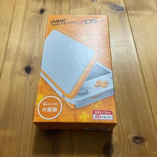 ニンテンドー2DS(ニンテンドー2DS)の烏 様Nintendoゲーム機本体 NEW ニンテンドー2DSLL ホワイト/オ(携帯用ゲーム機本体)