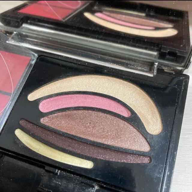 AUBE couture(オーブクチュール)のオーブ クチュール デザイニングジュエル コンパクトP 01(WT) コスメ/美容のキット/セット(コフレ/メイクアップセット)の商品写真