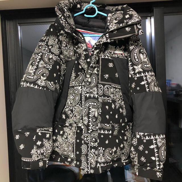 FREAK'S STORE(フリークスストア)のファーストダウン フリークスストア バンダナ柄ダウンジャケット S メンズのジャケット/アウター(ダウンジャケット)の商品写真