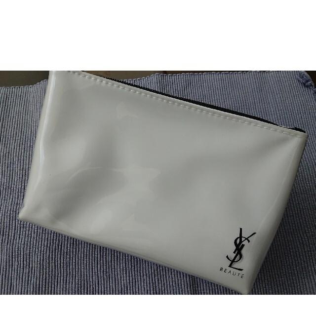 Yves Saint Laurent Beaute(イヴサンローランボーテ)のイブサンローラン ポーチ レディースのファッション小物(ポーチ)の商品写真