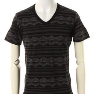 エイケイエム(AKM)の新品 AKM Tシャツ M エスニック  1piu1uguale3 シャツ 半袖(Tシャツ/カットソー(半袖/袖なし))