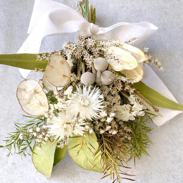 ドライフラワー green&White スワッグ ブーケ❀.*・゚ ハンドメイドのフラワー/ガーデン(ドライフラワー)の商品写真