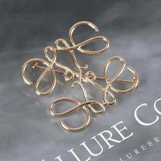 LOEWE - LOEWE アナグラムデザイン ブローチ ゴールド 新品