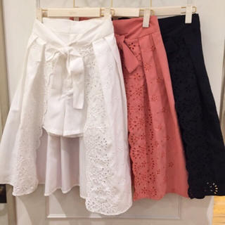 リリーブラウン(Lily Brown)のカットワーク刺繍スカートパンツ(その他)