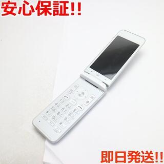 キョウセラ(京セラ)の良品中古 SIMロック解除済 GRATINA KYF37 ホワイト 本体 白ロム(携帯電話本体)