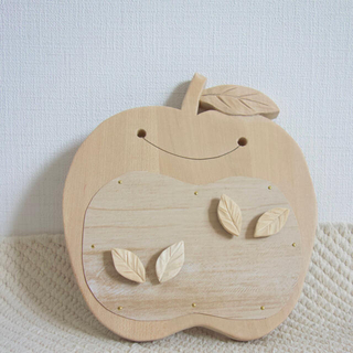 木の写真立て マグネット式 りんご(インテリア雑貨)