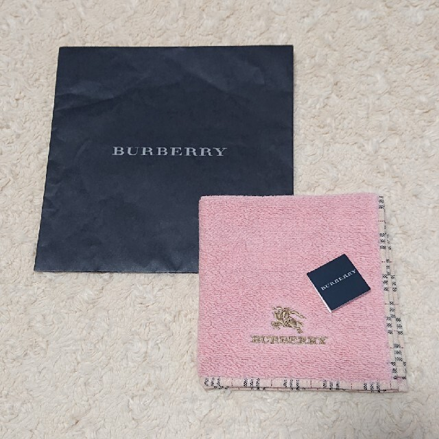 BURBERRY(バーバリー)の《未使用》BURBERRY タオルハンカチ レディースのファッション小物(ハンカチ)の商品写真