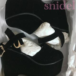 スナイデル(snidel)のsnidel💐美品 プラットフォームシューズ ベロア サンダル ブラック(ハイヒール/パンプス)