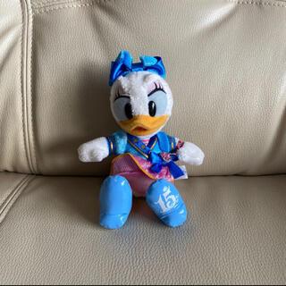 デイジー(Daisy)のディズニーシー15周年記念品 ぬいぐるみバッジ デイジー (キャラクターグッズ)