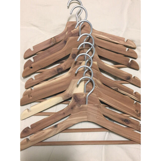 ムジルシリョウヒン(MUJI (無印良品))のレッドシダー薄型ハンガー 9本組(押し入れ収納/ハンガー)