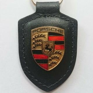 ポルシェ(Porsche)のポルシェクレストキーホルダー(ブラック)(出血大サービス)(オマケ付き) (キーホルダー)