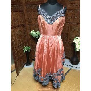 パーティドレス オレンジと、グレーのリボンが素敵(その他ドレス)