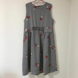merlot - ギンガムチェック×お花刺繍ワンピース🌸