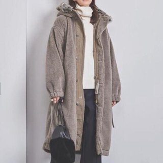 HYKE - Hyke HOODED FAUX SHEARLING M-43