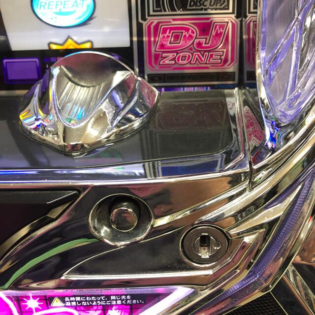 Sammy(サミー)の実機  パチスロ  ディスクアップ  コイン不要機付き  送料無料 エンタメ/ホビーのテーブルゲーム/ホビー(パチンコ/パチスロ)の商品写真