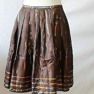 マッキントッシュフィロソフィー(MACKINTOSH PHILOSOPHY)の美品マッキントッシュフィロソフィー、ベルト柄タックギャザースカート、サイズ38(ひざ丈スカート)