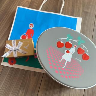 オードリー缶(大)&スペシャルストロベリーシャンパントリュフ(菓子/デザート)