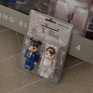 メディコムトイ(MEDICOM TOY)のBE@RBRICK グリーティング結婚 4 PLUS 100% ベアブリック(キャラクターグッズ)