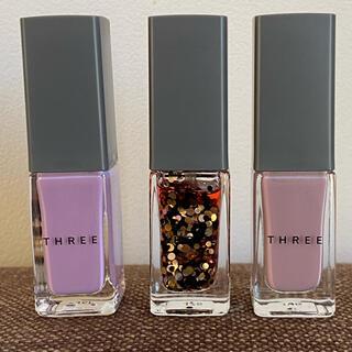 スリー(THREE)の《美品》THREE ネイルポリッシュ 3本セット(マニキュア)