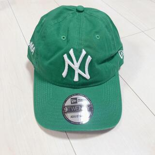 モマ(MOMA)の【新品】MOMA New Era NYヤンキース/ニューエラ/グリーン (キャップ)