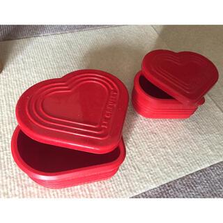 ルクルーゼ(LE CREUSET)のル・クルーゼ シリコンキッチンウェア シリコンマルチハートカップセット (収納/キッチン雑貨)