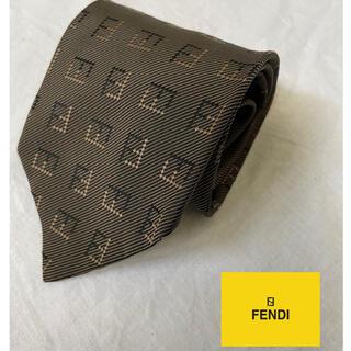 FENDI - ネクタイ・フェンディ・ブランド ・ダークグレイ・ロゴ・高級シルク・新品同様