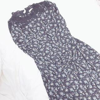 ハニーズ(HONEYS)の匿名配送 ♡ 花柄マキシ丈ワンピース クロ(ロングワンピース/マキシワンピース)