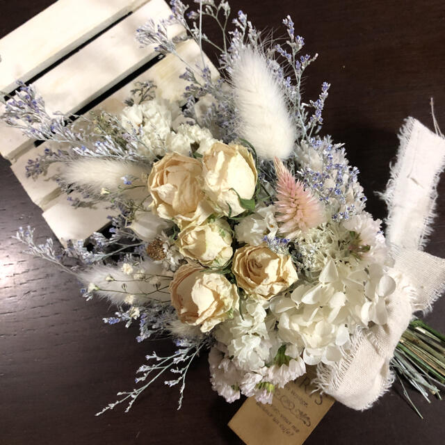 ♡No.356 white*ドライフラワースワッグ♡ ハンドメイドのフラワー/ガーデン(ドライフラワー)の商品写真
