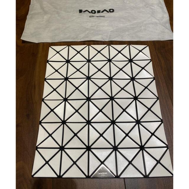 ISSEY MIYAKE(イッセイミヤケ)の新品 BAOBAO  バオバオ イッセイミヤケ クラッチバッグ レディースのバッグ(クラッチバッグ)の商品写真