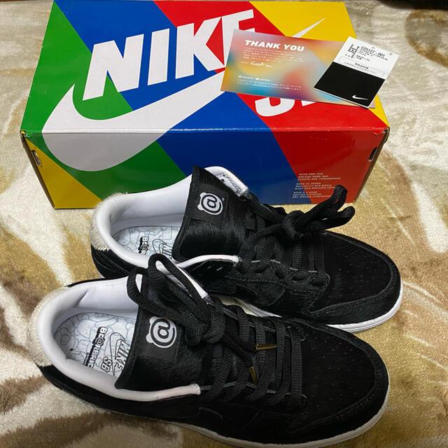 NIKE(ナイキ)のナイキSB メディコムトイ ダンク ベアブリック メンズの靴/シューズ(スニーカー)の商品写真