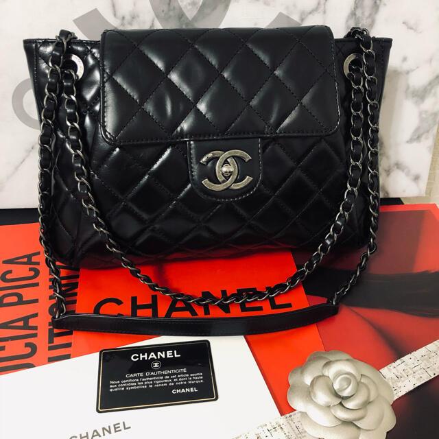 CHANEL(シャネル)の150正規品★数回使用極美品‼️シャネル 斜めがけ マトラッセ レディースのバッグ(ショルダーバッグ)の商品写真
