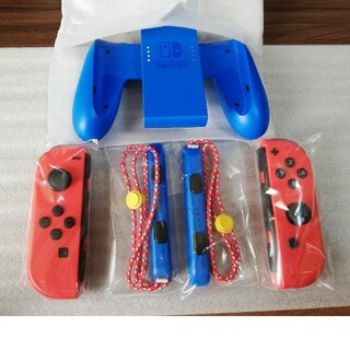 Nintendo Switch - マリオレッドブルーセットの ジョイコン左右 グリップ ストラップのセット 新品