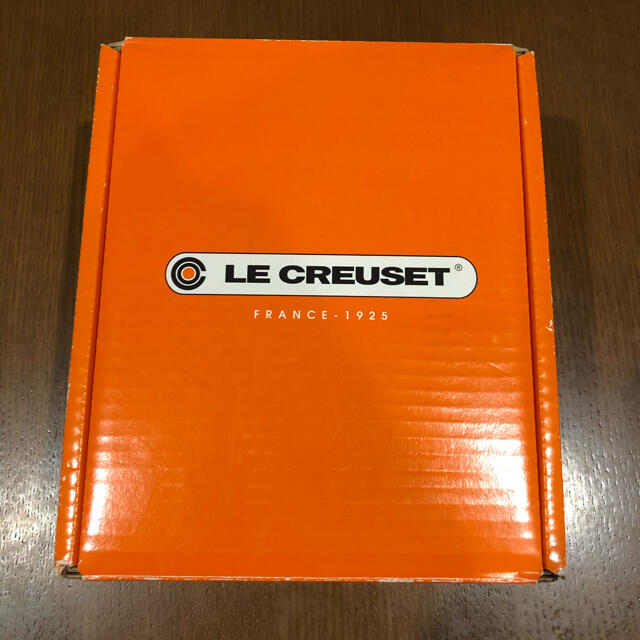 LE CREUSET(ルクルーゼ)の【新品】ル・クルーゼ  ココットロンド 14cm インテリア/住まい/日用品のキッチン/食器(鍋/フライパン)の商品写真