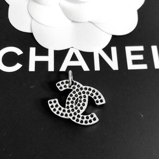 シャネル(CHANEL)の正規品 シャネル ペンダント ココマーク パンチング シルバー 銀 ネックレス(ネックレス)