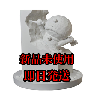 メディコムトイ(MEDICOM TOY)の彫刻家ドラえもん White Ver. (キャラクターグッズ)