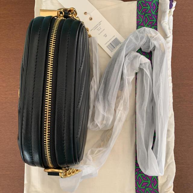Tory Burch(トリーバーチ)のトリーバーチ ショルダー TORY BURCH キラ シェブロン カメラバッグ レディースのバッグ(ショルダーバッグ)の商品写真