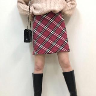 Lochie - Burberry check skirt ❤️