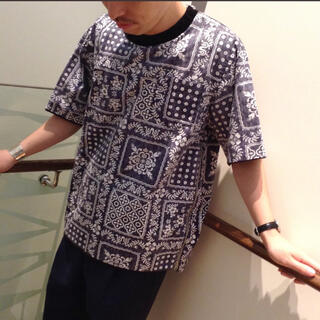 サカイ(sacai)の【美品】SACAI Reyn spooner バンダナ柄Tシャツ サイズ2サカイ(シャツ)