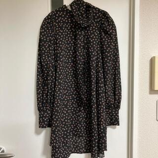 リリーブラウン(Lily Brown)の値下げ!lily brown 2021福袋 チュニックとスカーフのセット(シャツ/ブラウス(長袖/七分))