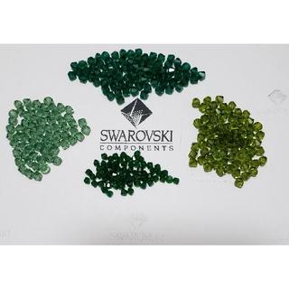 スワロフスキー(SWAROVSKI)の《専用》★ SWAROVSKI ビーズ 4種類×2(各種パーツ)