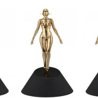 メディコムトイ(MEDICOM TOY)の空山基 GOLD ver.『Sexy Robot floating』1/4サイズ(その他)