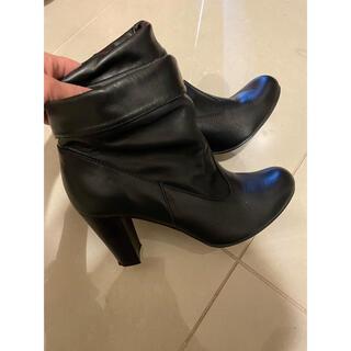 ピッティ(Pitti)のショートブーツ ブラック Pitty 24.5cm(ブーツ)