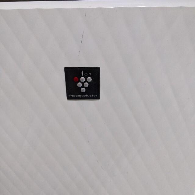 SHARP(シャープ)のSHARP CV-A100-W 除湿機 スマホ/家電/カメラの生活家電(加湿器/除湿機)の商品写真