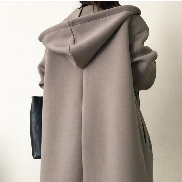 ZARA(ザラ)の完売!新品タグ付き ネオプレンコート xs〜S レディースのジャケット/アウター(ロングコート)の商品写真