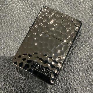 ジッポー(ZIPPO)の【ZIPPO】LARK ブラック 黒 ハンマートーン 2011年製 未使用美品(タバコグッズ)
